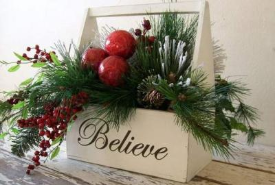 Christmas Floral Demonstration with Betty Cumiskey